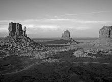 Photos noir et blanc de l'ouest americain par Julien Lebreton - Monument Valley Navajo tribal park