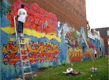 Graffeurs en action - Graffiti de Montréal