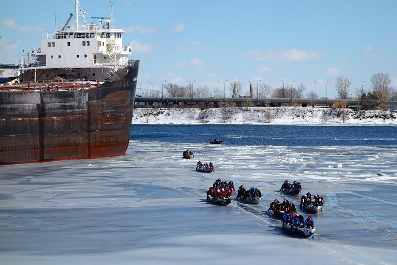 Defi canot a glace, Montréal